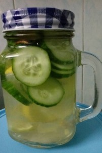 Detox water lemon with cucumber _ beautyikon (Mason Jar)
