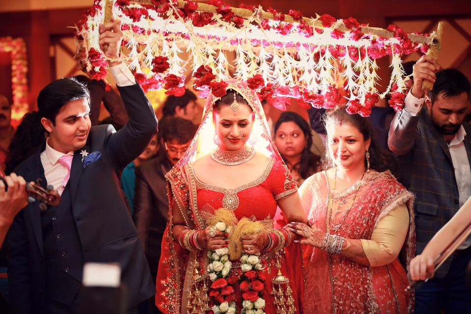 Photos - Divyanka Tripathi & Vivek Dahiya Wedding & Reception Pics (26)