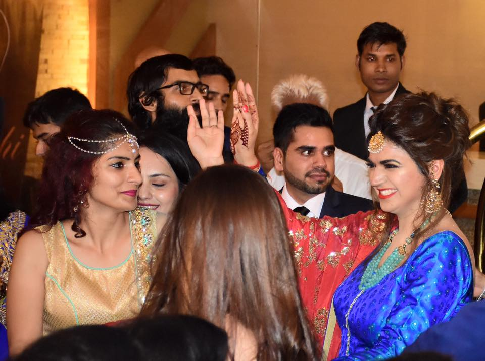Photos - Divyanka Tripathi & Vivek Dahiya Wedding & Reception Pics (5)