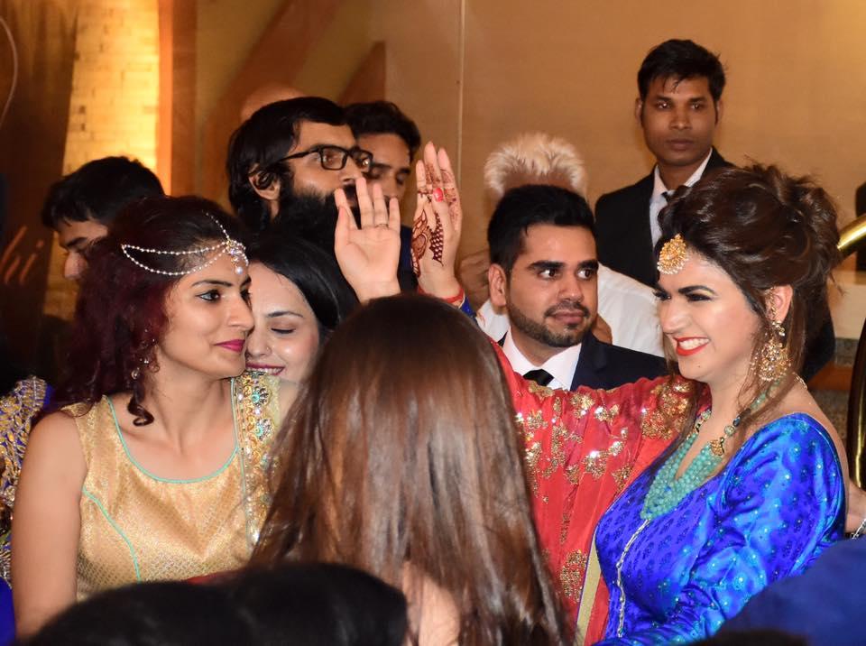 Photos - Divyanka Tripathi & Vivek Dahiya Wedding & Reception Pics (5)