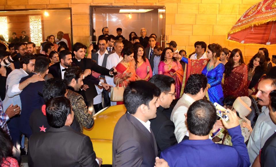 Photos - Divyanka Tripathi & Vivek Dahiya Wedding & Reception Pics (8)